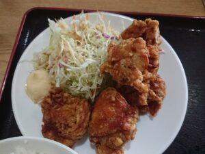 ラーメンがついてくる若鶏の唐揚げ定食(中国料理鮮味園/埼玉県鳩山町)